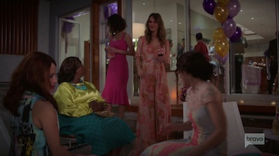 Girlfriends' Guide to Divorce 05x06 : Rule #1: Keep the Toast Short- Seriesaddict